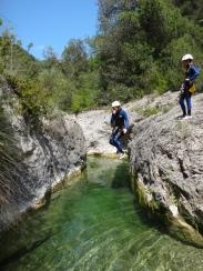saut dans canyon facile et ludique