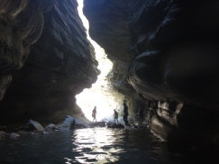 clue canyon canyoning saut toboggan activité été