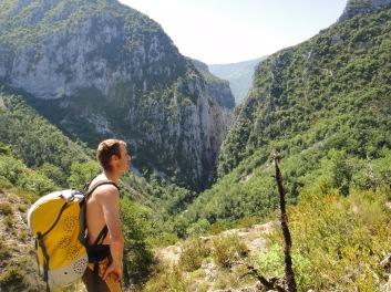 sur le chemin d'approche, il est dur de louper la perspective du canyon