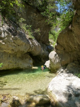 bief rafraîchissant dans le riou de pierrefeu