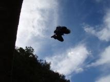 saut depuis le pont de la barbaira