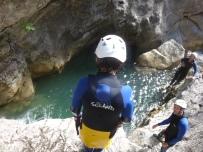 saut dans cramassouri, canyon proche de nice idéal pour l'initiation
